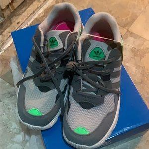 Originals yung-96 c sneakers